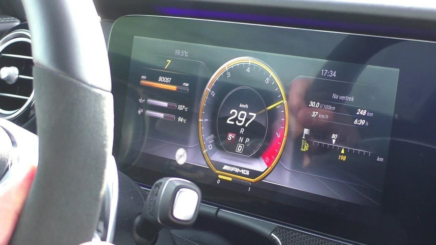 Mercedes AMG E63 Wagon'un performansını en önden izleyin