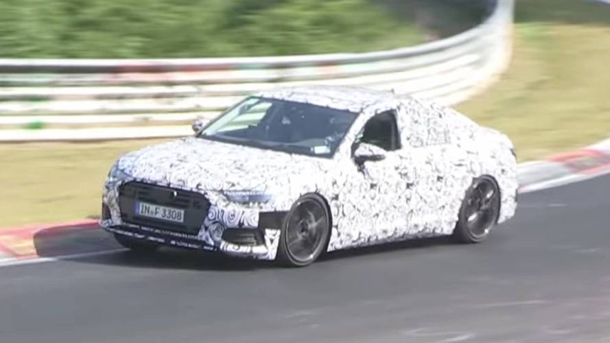 Audi S6 prototipi hırçın sesiyle Nürburgring'de