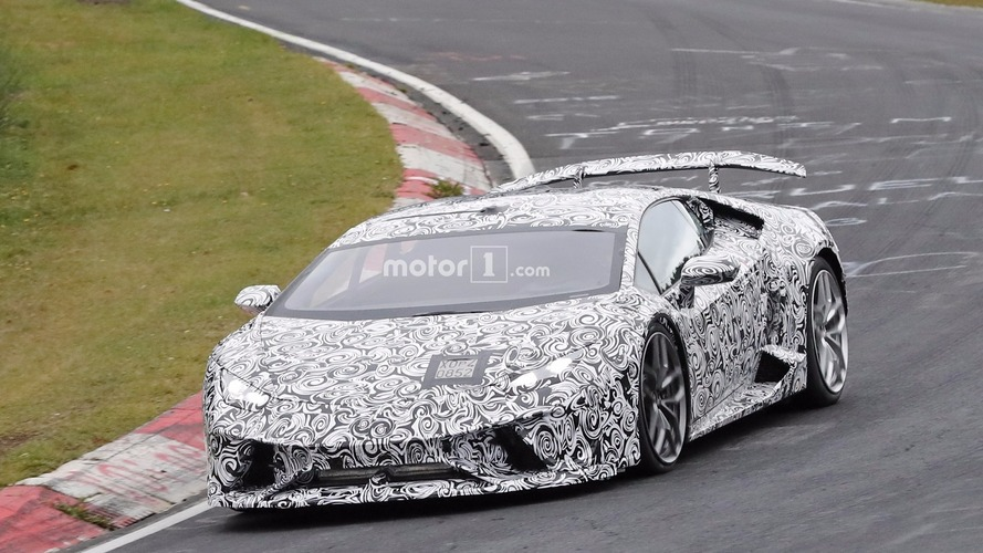 2018 Lamborghini Huracan Superleggera spy photos