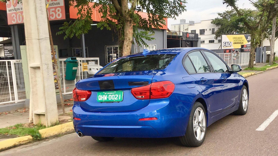 Flagra! BMW Série 1 Sedan é testado no Brasil
