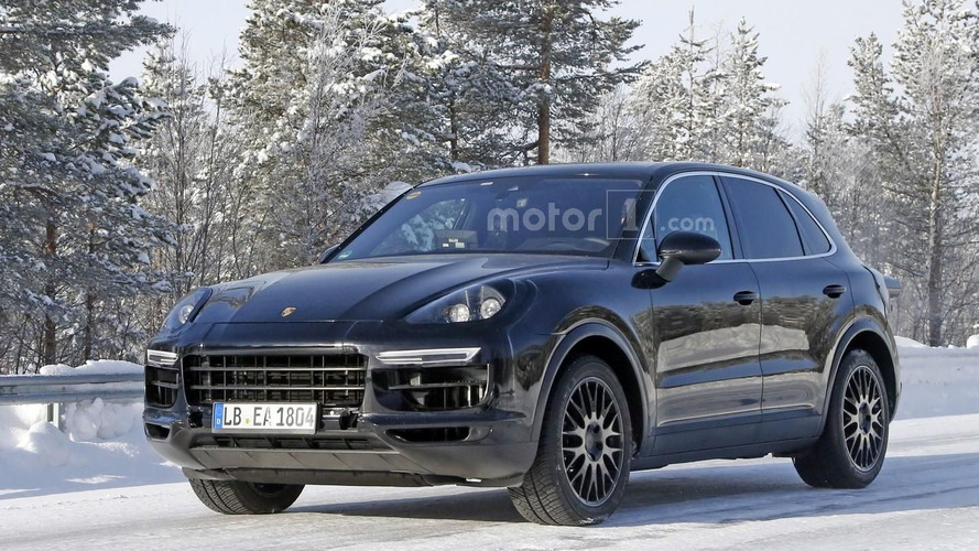 2018 Porsche Cayenne early prototype spied up close