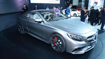 Mercedes S63 AMG Coupe New York'ta, canlı