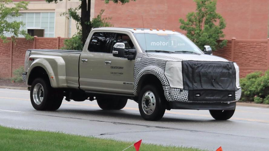 2019 Ford F-Serisi Super Duty hafif makyajla görüntülendi