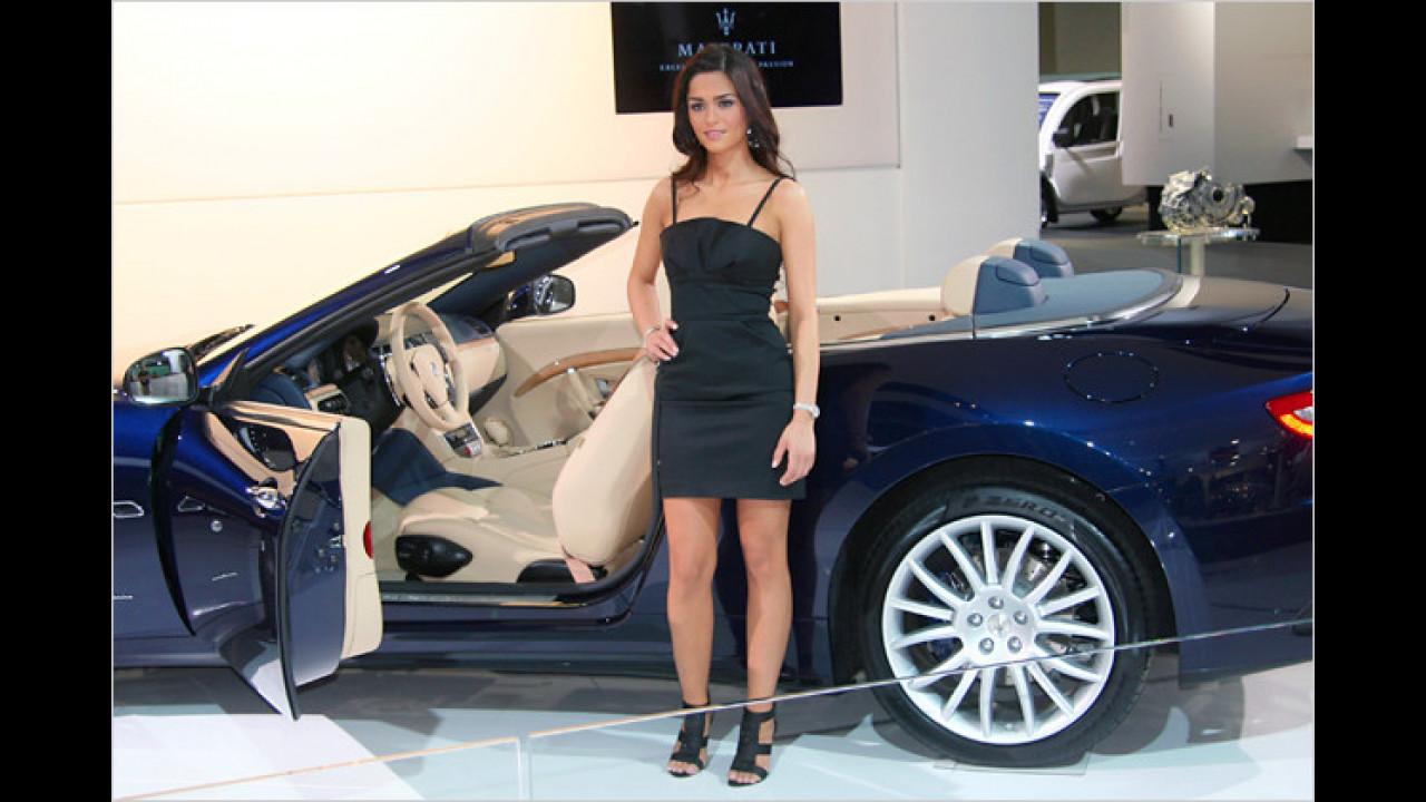 Luftige Angelegenheit: Gut, dass der Roadster und seine Begleitung 2010 in der warmen Messehalle standen