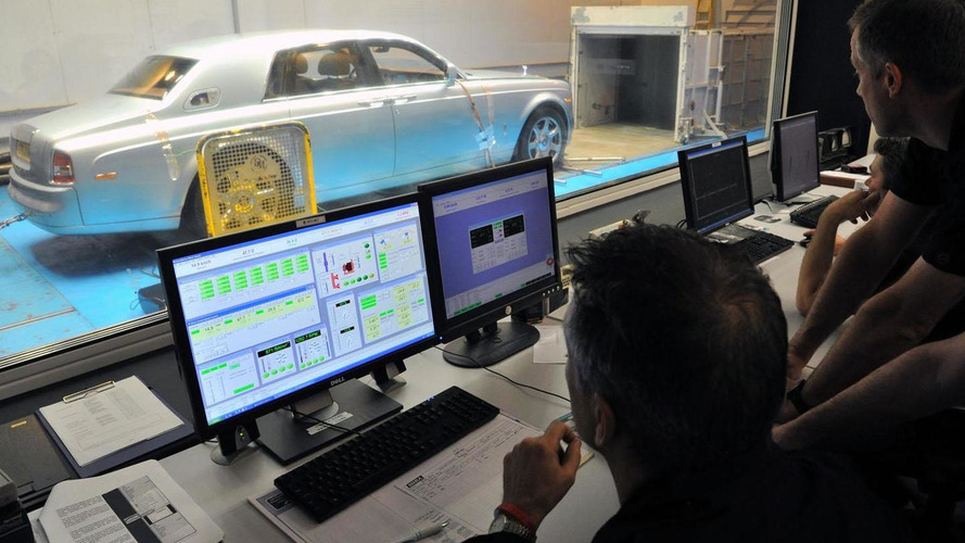 Rolls-Royce 102EX undergoes testing for world tour