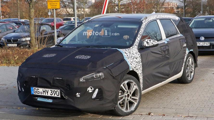 2017 Hyundai i30 CW spy photos