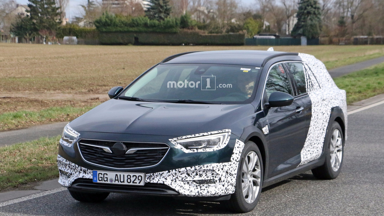 2018 opel insignia country tourer spied for the first time. Black Bedroom Furniture Sets. Home Design Ideas