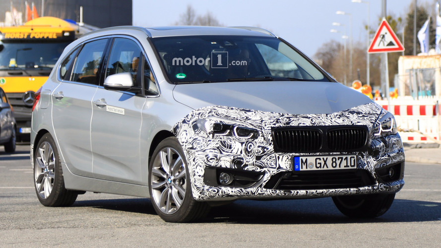BMW 2 Serisi Active Tourer makyajını gizlerken görüntülendi