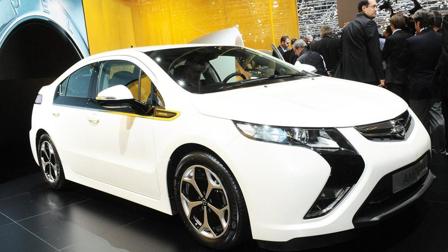 Opel Ampera production version finally arrives at Geneva Show