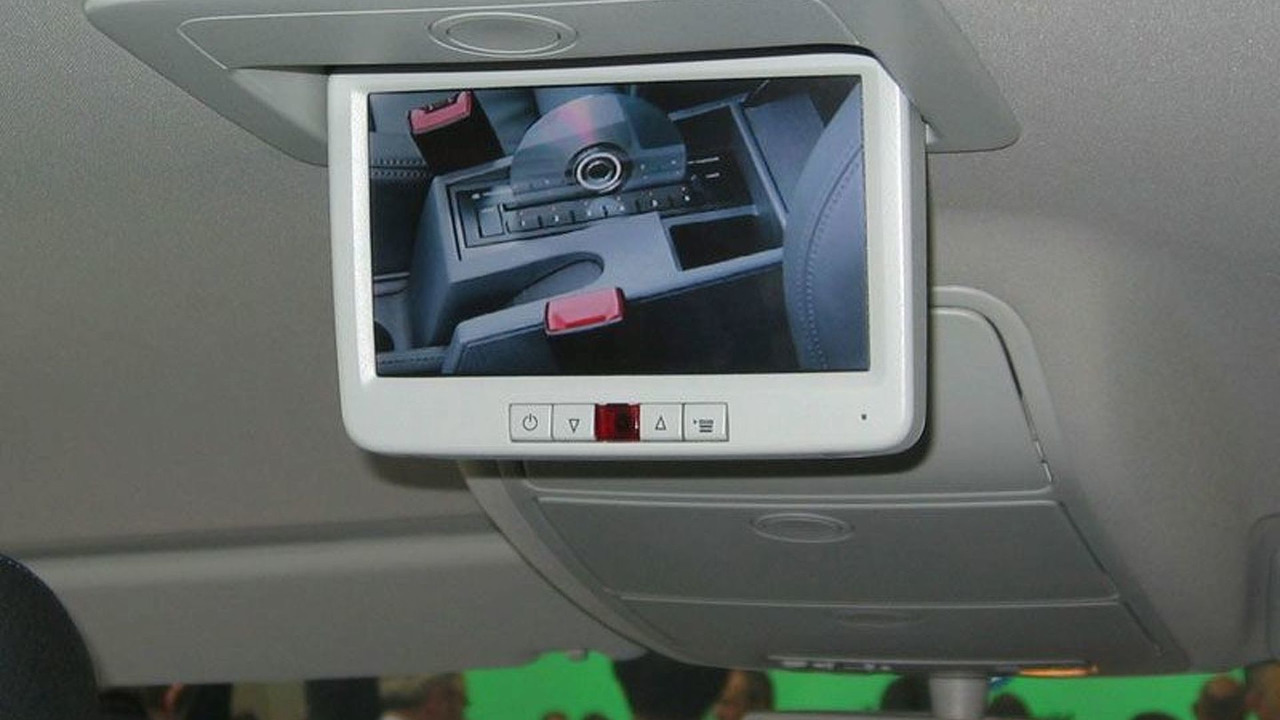 VW Touran with Rear Seat Entertainment (RSE)