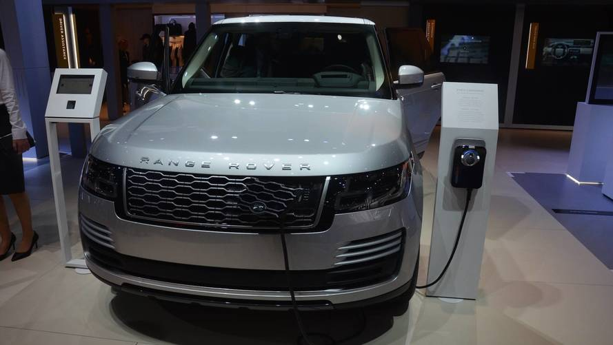 2019 Range Rover Sport Debuts Plug-In Hybrid, More Powerful SVR