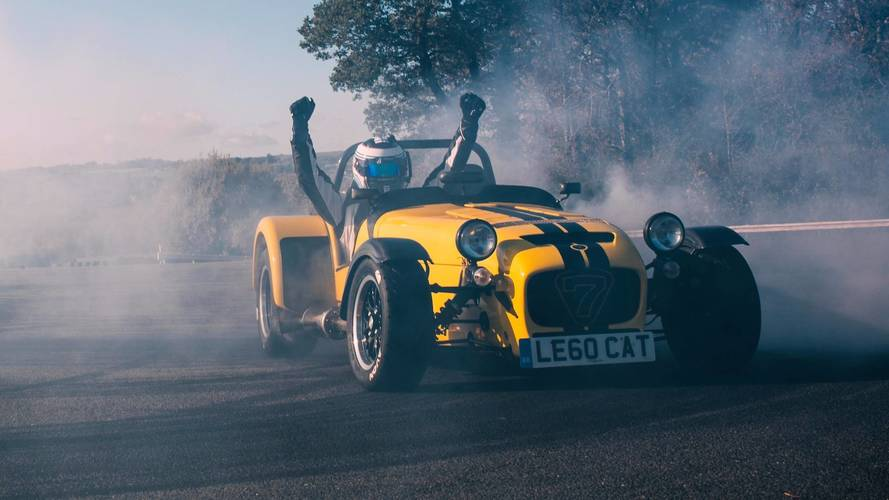 Caterham Seven 620R Sets New Record With 19 Donuts In 60 Seconds