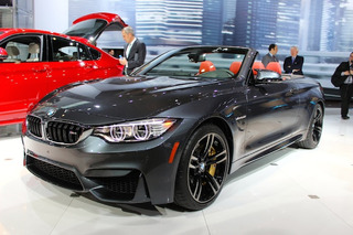 BMW M4 Convertible Loses a Top, Adds Some Weight