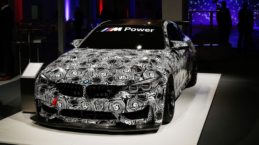 BMW M4 GT4'un ilk resmi fotoğrafı!