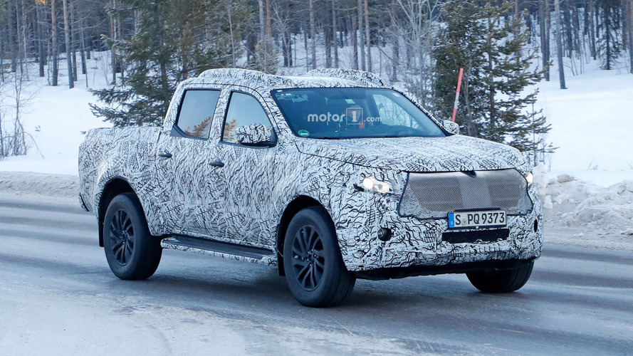 Mercedes X-Sınıfı karlı yollarda test yapıyor
