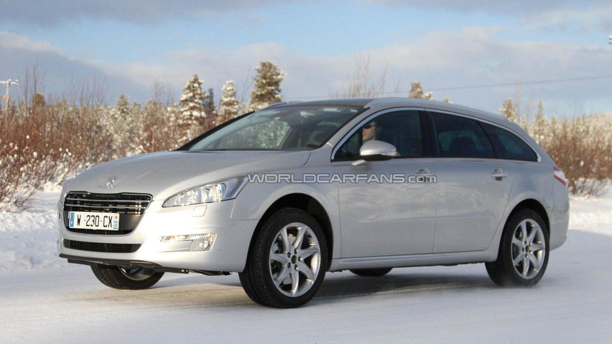Peugeot 508 SW Allroad spied undisguised