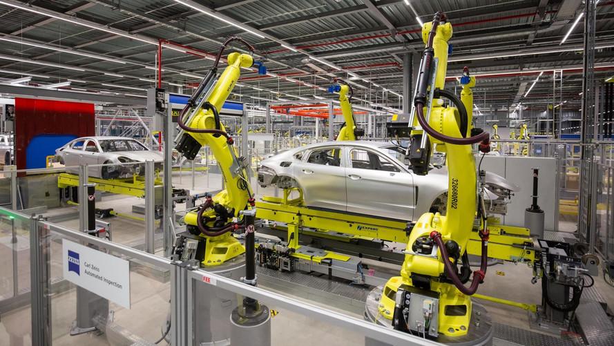 Porsche Araştırması: Hastalar robotlar tarafından ameliyat edilmek istiyor
