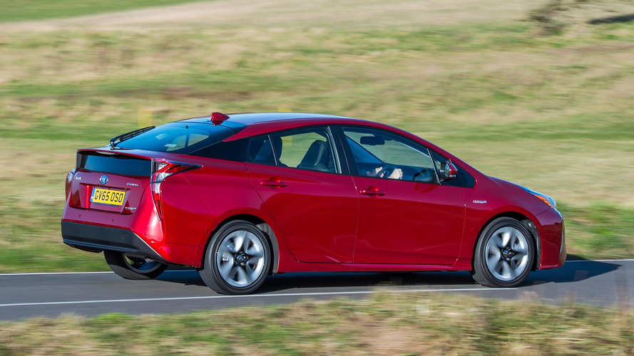 2017 toyota prius review. Black Bedroom Furniture Sets. Home Design Ideas