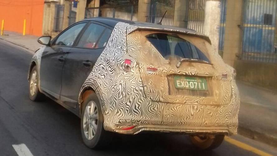 Flagra: Toyota Yaris nacional finaliza testes para lançamento em junho