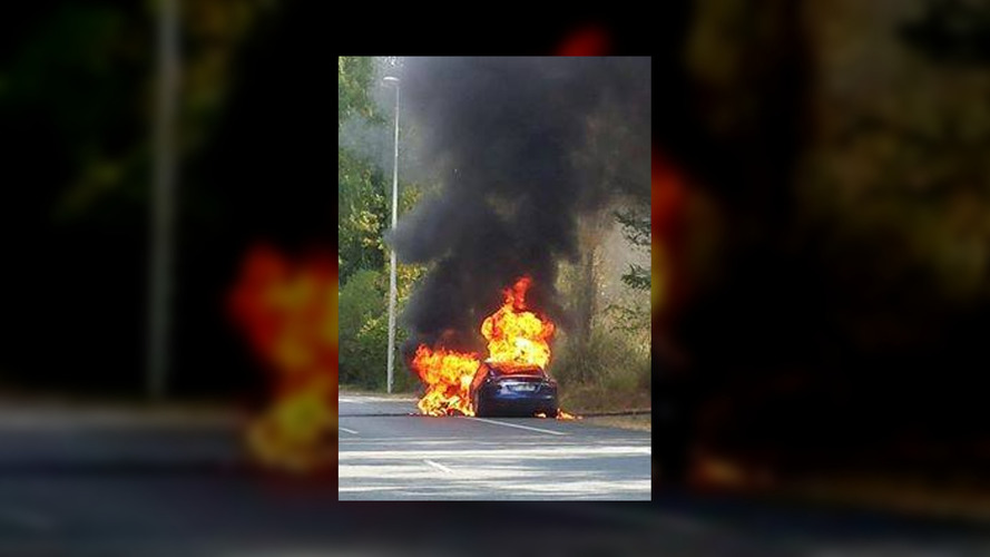 Tesla Model S spontaneously catches fires during promo tour