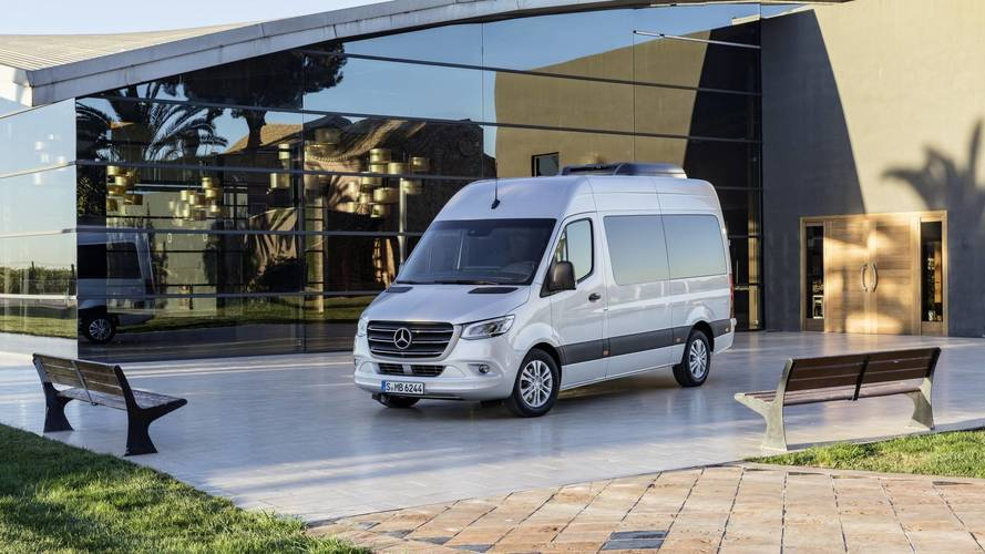2018 mercedes sprinter debuts with 1 700 configurations for Job at mercedes benz