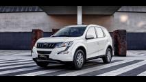 Mahindra XUV500 MY 2017 001
