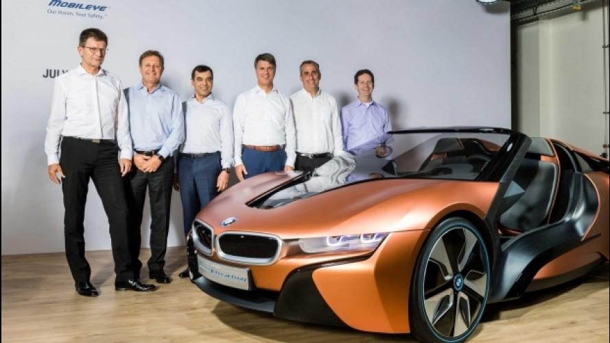 BMW, la prima che guida da sola arriva nel 2021