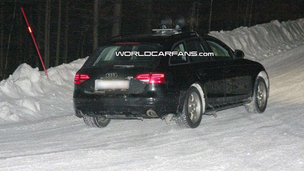 Audi A4 Avant allroad spy photo