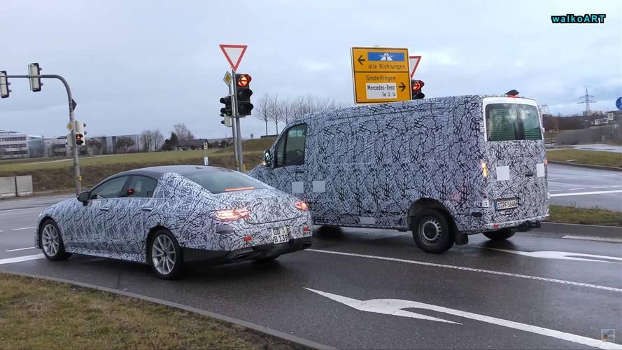 Les Mercedes-AMG CLS 53 et Sprinter surprises dans la rue