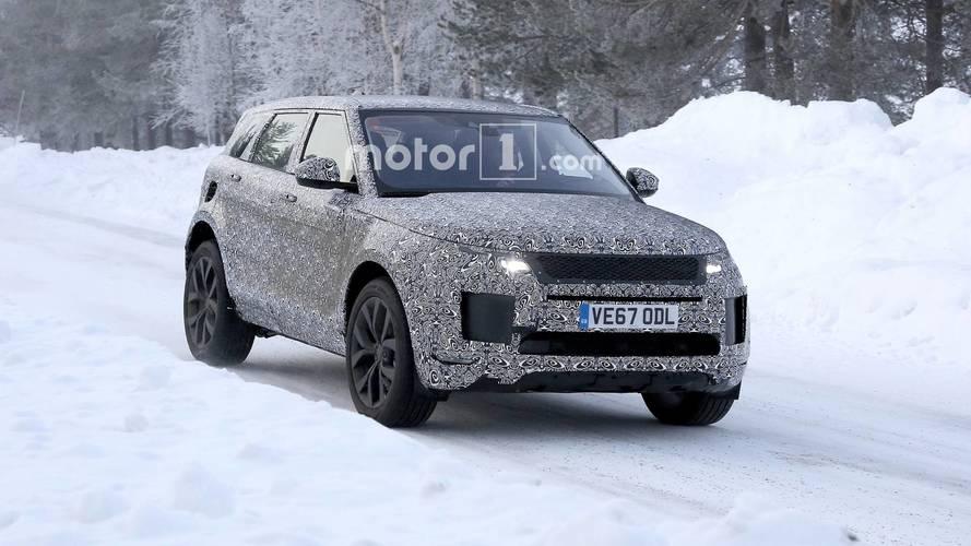 [GÜNCEL] Range Rover Evoque, yeni tasarımını gizlerken yakalandı