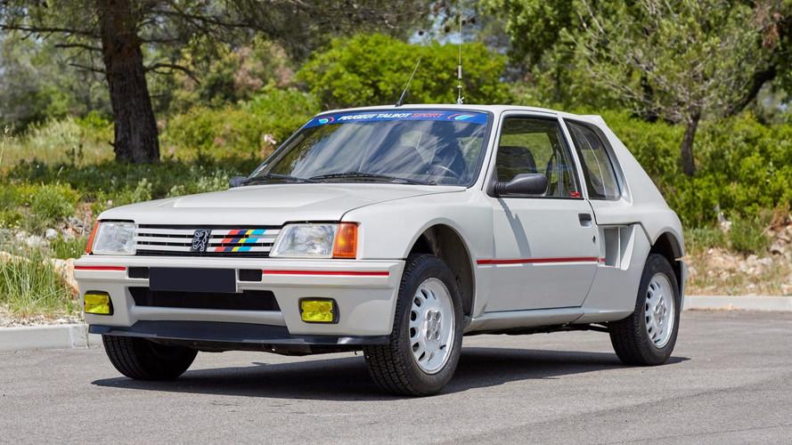 À vendre : Peugeot 205 T16 avec 248 km au compteur !