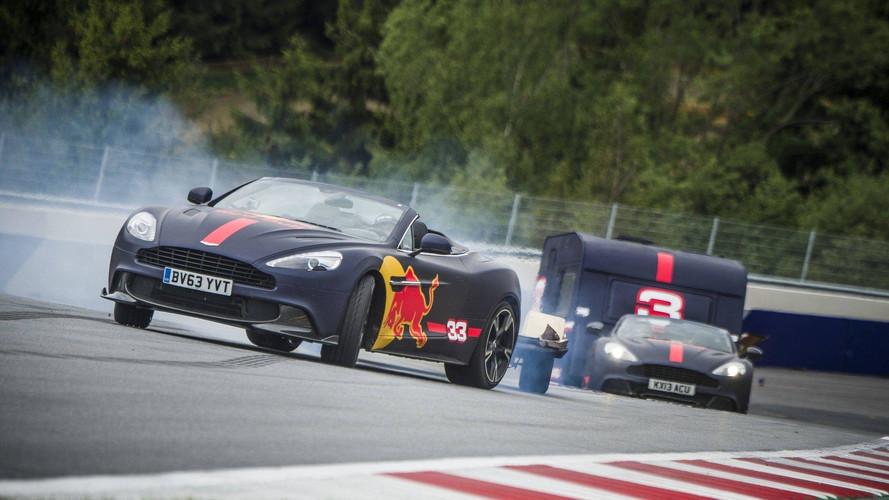 VIDÉO - Une course de caravane entre Daniel Ricciardo et Max Verstappen