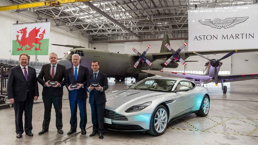 Aston Martin, eski hangarı fabrikaya dönüştürmeye başladı