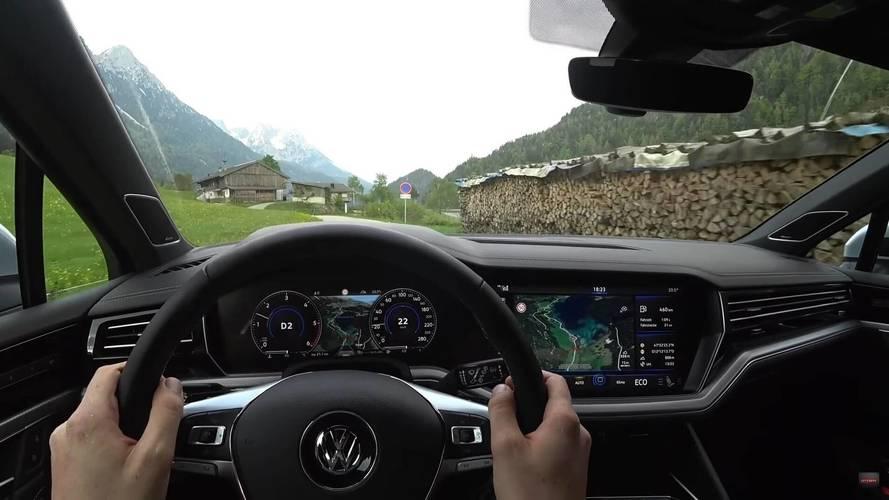 Yeni VW Touareg R-Line'ı içerisinden izleyin
