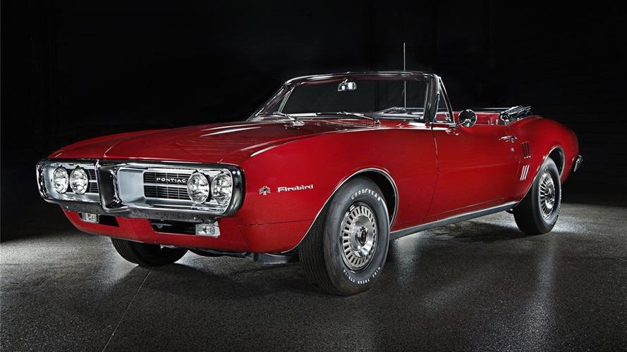 Üretilen ilk iki Pontiac Firebird açık arttırmaya çıkarılacak