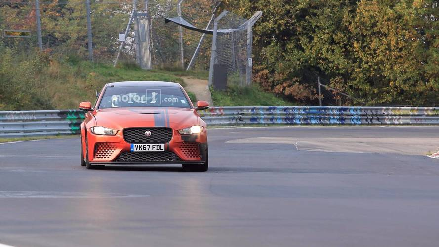 Jaguar XE SV Proejct 8 Nurburgring photos espion