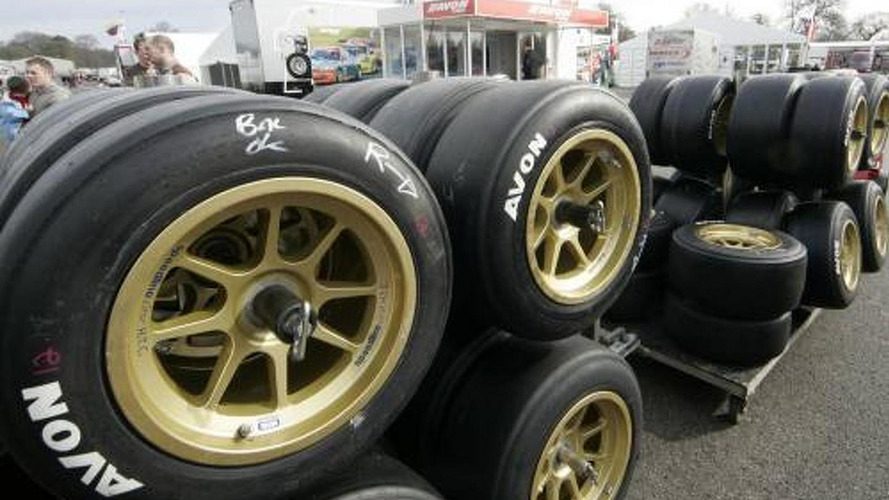 Avon confirms talks to supply F1 tyres in 2011