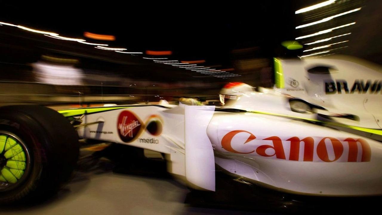 Rubens Barrichello leaves the garage, Singapore grand prix, Singapoare 27.09.09