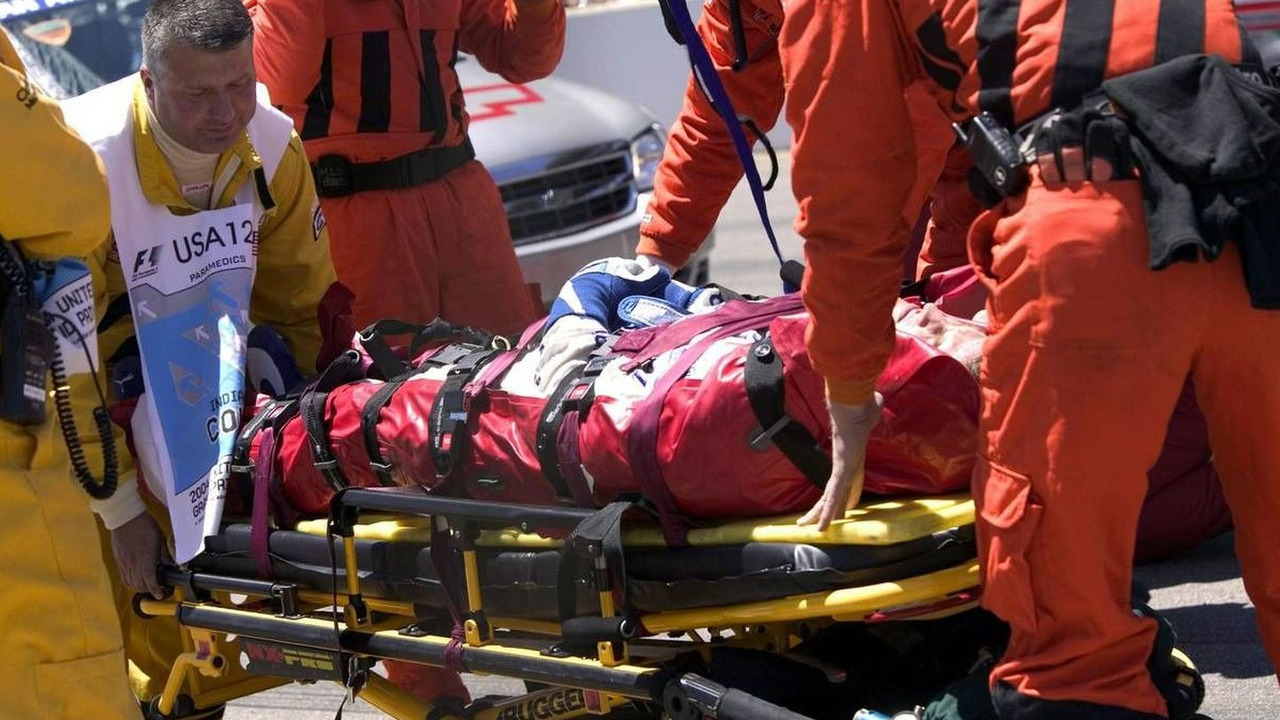 Ralf Schumacher (GER) after big crash, BMW WilliamsF1 Team, medical stuff, USA Grand Prix, 20.06.2004 Indianapolis, USA