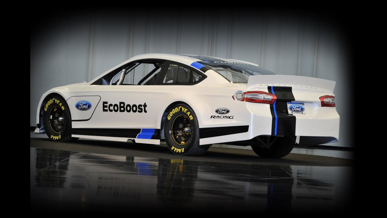 Novo Ford Fusion 2013 ganha versão NASCAR