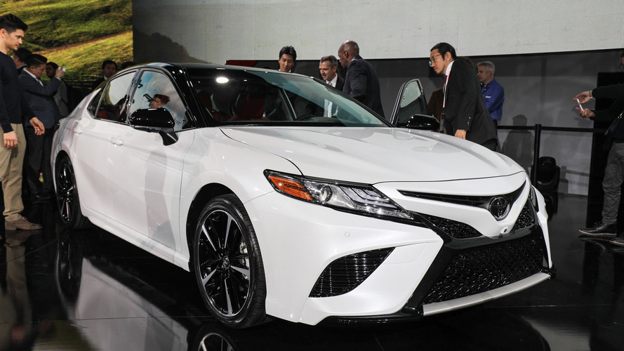 Toyota Camry 2018 mostra desenho