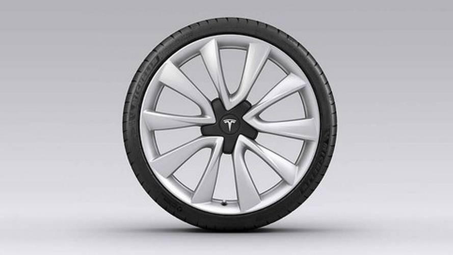 Tesla Adds $4,000, 20-Inch Sport Wheels For Model 3