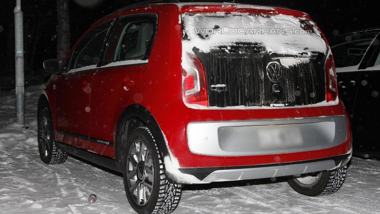 Volkswagen Cross Up! spy photo 06.12.2012 / Automedia