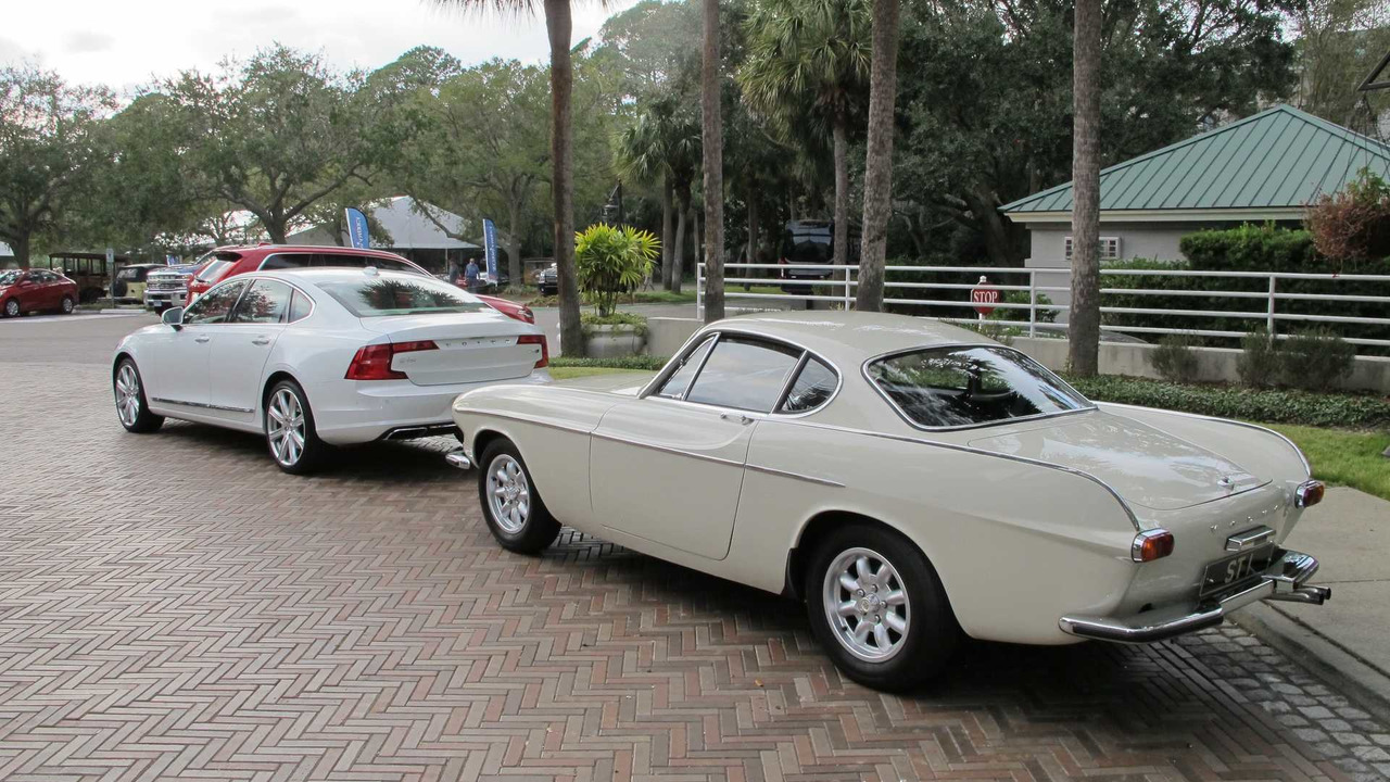 Driving Roger Moore S Volvo P1800 St1