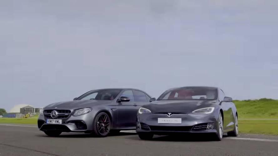 VIDÉO - Quand la Mercedes-AMG E 63 S rencontre une Model S P100D