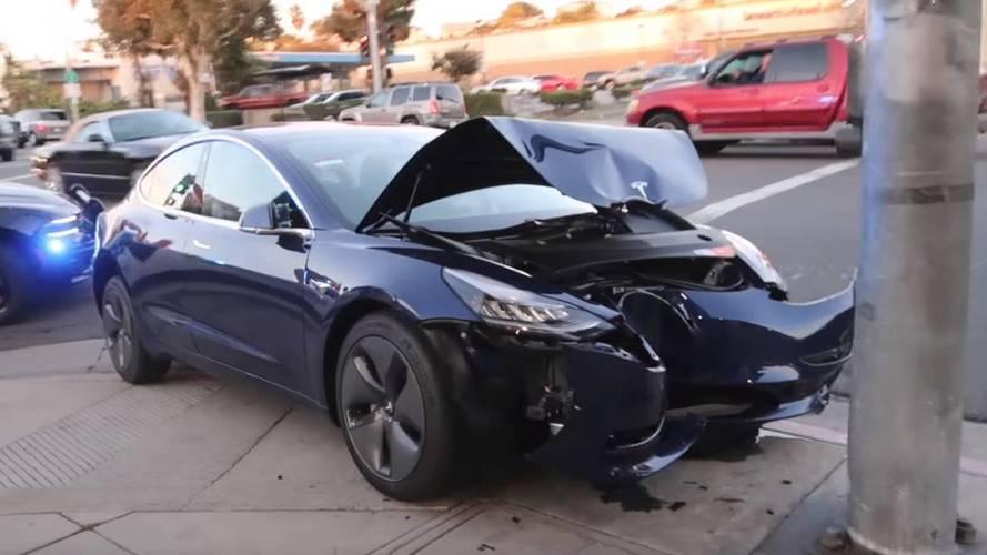 Máris lenulláztak egy Tesla Model 3-at