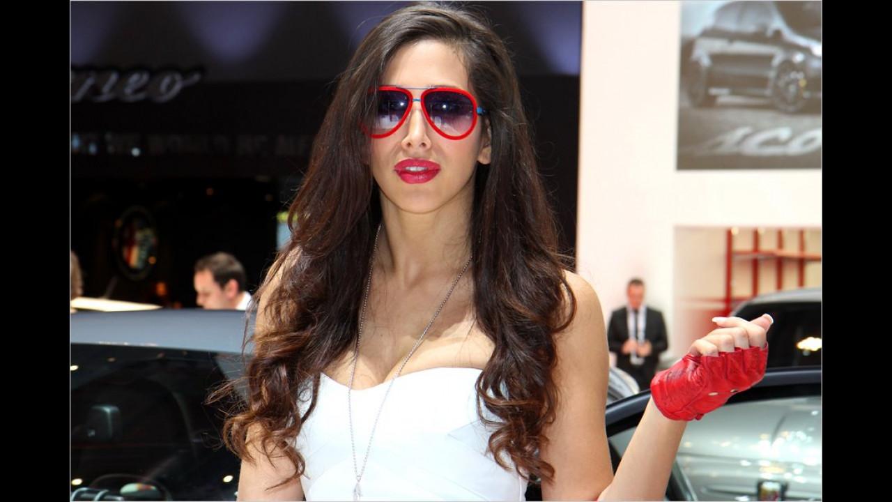 Frau sollte das Leben nicht immer nur durch eine rote Brille betrachten