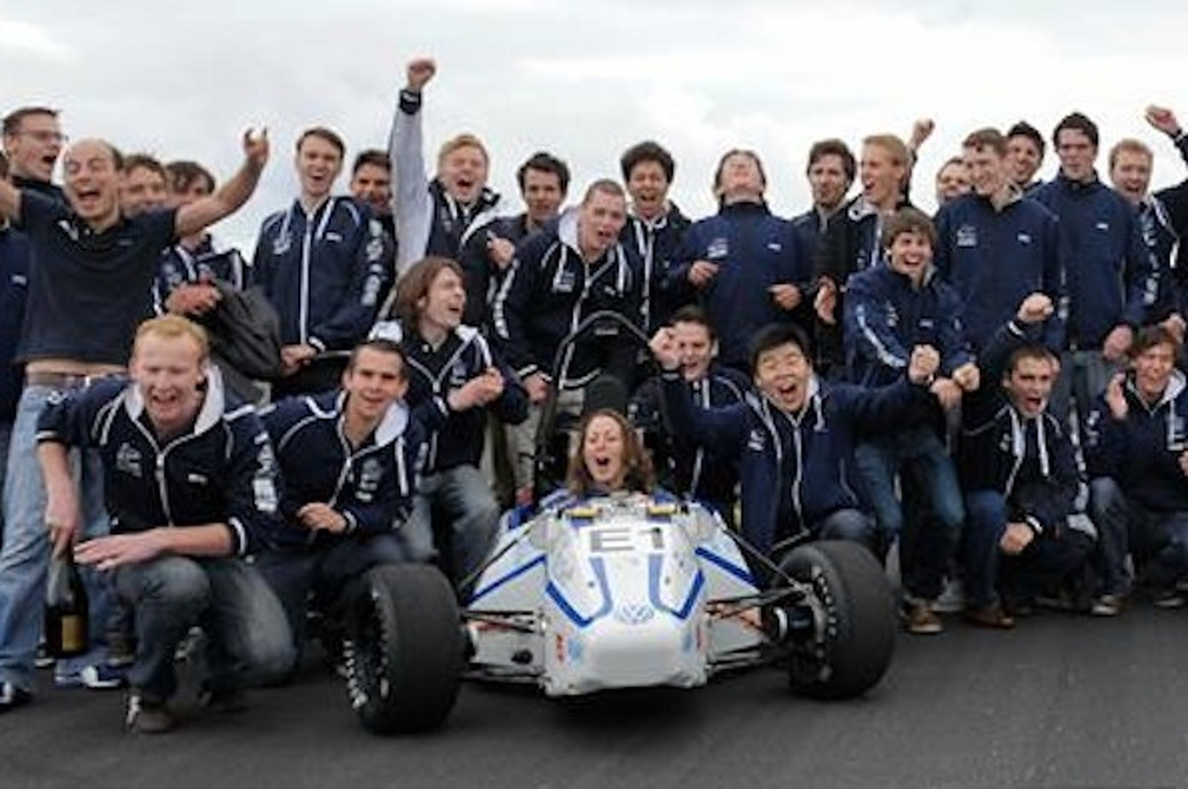 Students Break 0-to-60 World Record with 2.13-Second, Hand-Built EV