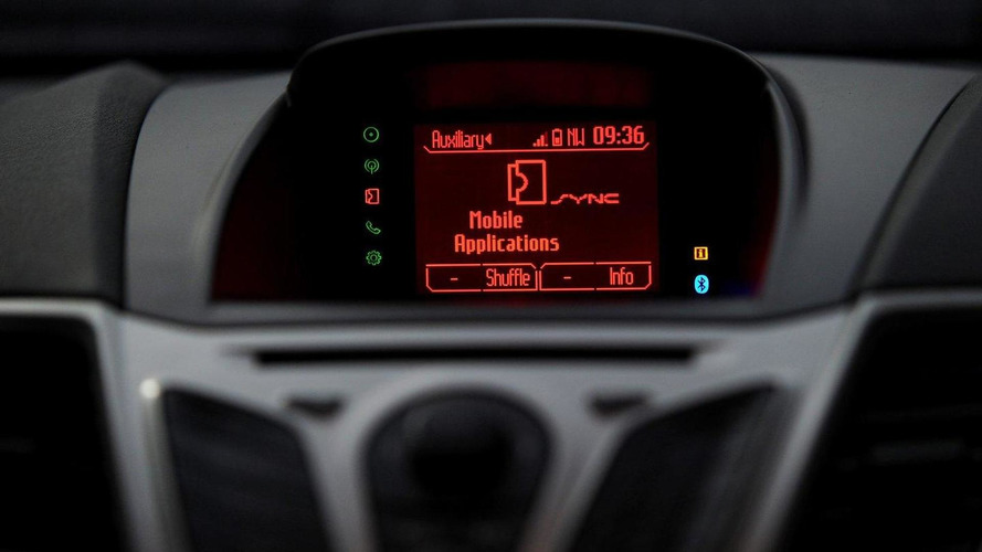 Ford SYNC AppLink allows voice control access of smartphone apps [Video]