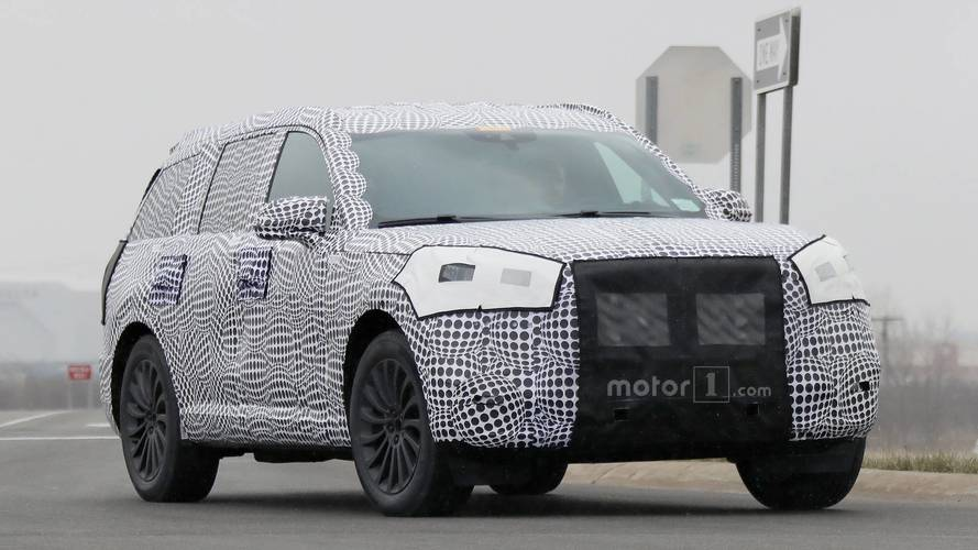 2020 Lincoln Aviator Spied Wearing Useless Camouflage